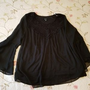 Black pull over flowy sleeve layered top 2x